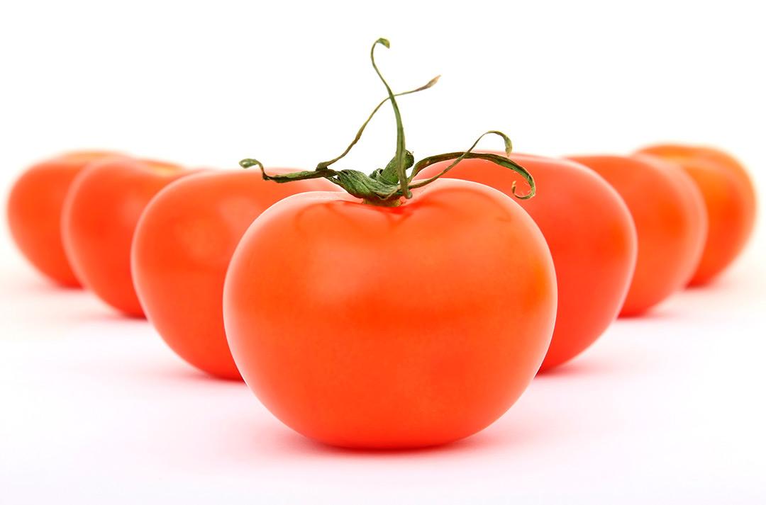 El tomate beneficios y contraindicaciones
